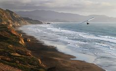 A perfect day for hang gliding in Los Angeles. (From: Photos: 8 Trips Everyone Should Do)