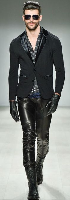 Black faux leather men's pants worn with printed silk shirt, black blazer, faux leather gloves and lace-up boots.. DIY the look yourself: http://mjtrends.com/pins.php?name=faux-leather-for-pants_1