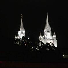 Night vigil #sandiego #lajolla #utc #NIGHTSHOOTERS #night #nightphotography #mormontemple #moronib#love #gramslayers #hypedshots #85late #sandiego_ca #travelgram #beautifuldestinations #instagramers #instagood #instagood #sundayfunday #allthingsSD #SDlife #streetstyle #hypedshots #city #view #photo #picodtheday #lajollalocals #sandiegoconnection #sdlocals - posted by David U Pelkey II  https://www.instagram.com/nerdvous_. See more post on La Jolla at http://LaJollaLocals.com
