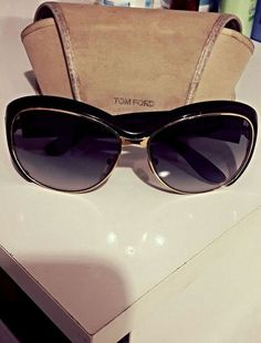 awesome design sunglasses by Tom Ford Buy Sunglasses Online, Ray Ban Sunglasses Sale, Tom Ford Sunglasses, Sunglasses Women, Sunglasses Accessories, Fashion Accessories, Optical Glasses, Eyewear, Sunnies
