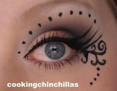 Dramatic Gothic eye make up with neutrals