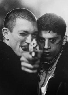 Vincent Cassel & Saïd Taghmaoui in the classic French crime film, La Haine. Vincent Cassel, La Haine Film, Bon Film, Jean Luc Godard, Cinema Movies, French Films, Film Serie, Moving Pictures, Film Stills