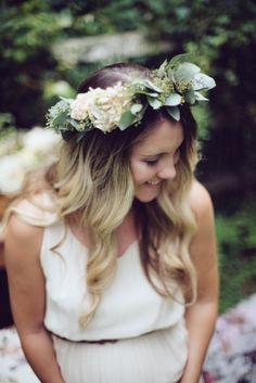Falls Flowers - Styled Maternity Shoot - Seeded eucalyptus and peach stock hair wreath