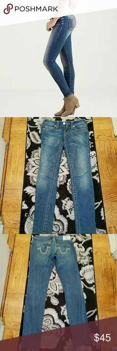 Autentic true religion model skinny size 26 Purchased  by me in their store model skinny serial  # included  on little tag between  size label &care directions  well worn show show sign of wear  pict are accurate  to item will list @low price since I have enjoyed  them long time but still have many good years left show distress  in some parts nut then that so in fashion this year lenght 39  I have shortened  them professionally inseam 31 True Religion Jeans Skinny