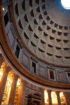 Pantheon, Rome. An amazing example of ancient architecture. And it's in the middle of Rome. Amazing!