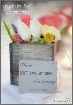 """Save my drink ! A mettre sur vos tables, ce joli clin d'oeil, qui fera à coup sûr sourire vos invités, et surtout leur rappeler qu'il y a un dancefloor à enflammer. """" source : lovelylittledetail.com """""""