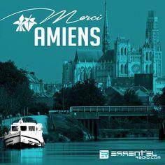 """On n'est pas très vélo… mais une balade sur les canaux de la petite Venise du Nord... on vote """"pour"""" à 100% !! #Amiens est aujourd'hui à l'honneur : #Merci à nos actuels auditeurs #amiénois (et aux futurs aussi^^) www.essentielradio.com #WeLoveAmiens #Picardie #Somme #TourdeFrancebyESSENTIEL #TDF2015"""