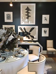 Beth Webb At the Atlanta Holiday Home. Beautiful Dining Rooms, Beautiful Houses Interior, Beautiful Interiors, Baroque Decor, Black And White Interior, Black Rooms, Dream Decor, Interior Design Inspiration, Decoration