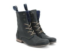 The 6 eye lace-up BBC is John's updated version of the 1920's working boot -- and while the BBC is not an actual work boot, it is one of the classic styles that is always at the top of any fashionista's lists. Using soft suede or tough Atlas leathers, the BBC will be the year-round accessory that will complete any rough & ready outfit you might have planned. Featuring a teal/royal blue splash at the tag, an upturned toe, a wide footbed on a Women's last, and a tunite ...