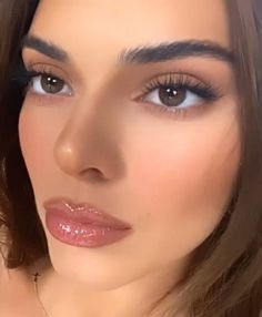 Kendall Jenner Eyes, Kendall Jenner Maquillaje, Kendall Jenner Outfits, Kylie, Glam Makeup, Skin Makeup, Eyeshadow Makeup, Beauty Makeup, Natural Summer Makeup