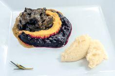 Rabo de Toro com musseline de cenoura e beterraba e quenelle de purê de batata | Rabo de Toro with muslin carrot and beet and quenelle of mashed potato