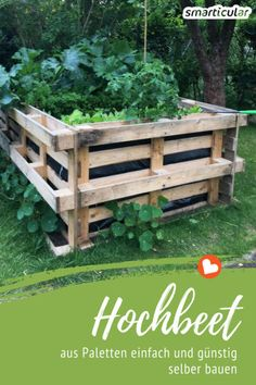Hochbeet selber bauen – einfach und preiswert aus Paletten Growing vegetables and herbs – with a raised bed made of pallets, this is very easy, inexpensive and without having to stoop even once! Vertical Pallet Garden, Pallets Garden, Vertical Gardens, Garden Types, Garden Trellis, Garden Beds, Diy Garden, Bed Made From Pallets, Building Raised Beds