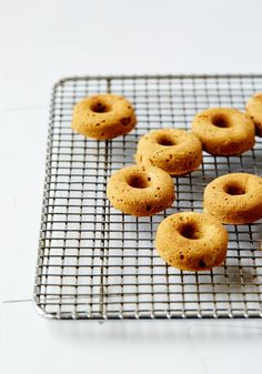 MINI MAPLE SPICED DOUGHNUTS WITH MOLASSES GLAZE (Gluten & dairy-free) #drestfinds @drestmaker