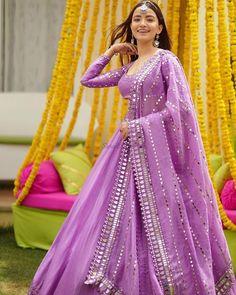 Mehendi Outfits, Indian Bridal Outfits, Indian Fashion Dresses, Wedding Outfits, Wedding Dresses, Simple Lehenga, Wedding Lehenga Designs, Lehnga Dress, Lavender Dresses