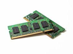 La memoria RAM es el dispositivo donde el equipo guarda los programas y datos con los que estás trabajando.