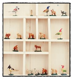 make shelf for their dog collection Home Living Room, Living Spaces, Display Shelves, Shelving, Displaying Collections, Graphic Patterns, Beautiful Space, Scandinavian Style, Floating Shelves