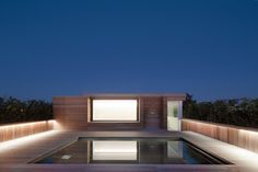Flat Roof Home - Rooftop Pool