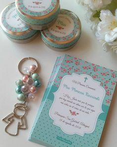 Baby Shower Souvenirs Souvenir Shabby Chic 15 Ideas Baby Shower Keepsakes Keepsake Shabby Chic 15 Id Baby Shower Cake Sayings, Baby Shower Cake Pops, Baby Shower Table, Baby Shower Signs, Baby Boy Shower, First Communion Cards, First Communion Favors, Communion Invitations, Baby Showers