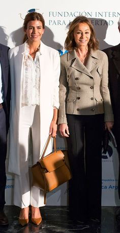 Juliana Awada and Isabel Preysler Mature Fashion, Work Fashion, Court Outfit, Ralph Lauren Looks, Fashion Over Fifty, Look Formal, Estilo Fashion, Looks Chic, Elegant Outfit