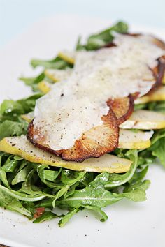 baby arugula salad with warm shitake mushrooms and pears