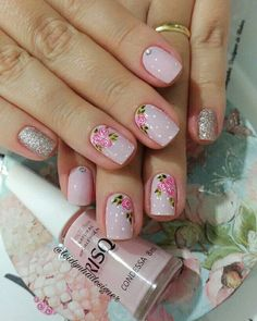 É muito mimo #unhas #unhas #unhasdecoradas #mimosas #rosinhas #risquedasemana #condessa #luxo #f - leidynhadesigner Stylish Nails, Trendy Nails, Do It Yourself Nails, Rose Nails, Crazy Nails, Flower Nail Art, Stamping Nail Art, Nail Arts, Natural Nails