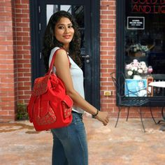 A Casual Look You will Love! Love your casual looks even more as you team those denims, a white t-shirt, high-top shoes with an amazing backpack cum tote bag from Baggit. Whatever your casual style, stay high on trend and fashionable with this number available at our Exclusive Stores and online at www.baggit.com