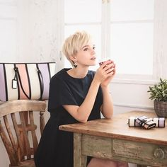 Hair Inspo, Hair Inspiration, Shot Hair Styles, Cute Photography, Pixie Styles, Male Poses, Short Hair Cuts For Women, Pixie Hairstyles, Pixie Cut