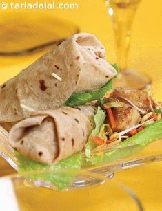 Chilli Paneer and Baby Corn Wrap is a typical example of an on-the-go snack, this recipe is the best way to keep your little ones satiated. Wrap Recipes, Baby Food Recipes, Indian Food Recipes, Cooking Recipes, Ethnic Recipes, Cooking Time, Snack Recipes, Sandwich Recipes, Chili Paneer
