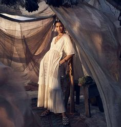 Photographer Steven Meisel looks to Morocco and North Africa for Zara's Spring 2019 campaign, styled by Karl Templer with a model lineup including Vittoria Ceretti, Lexi Boling, Anyelina Rosa, Veronika Kunz and Amanda Murphy. Inspiration Photoshoot, Style Photoshoot, Style Inspiration, Steven Meisel, Moda Zara, Foto Fashion, Zara Fashion, High Fashion, Editorial Photography