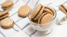 No fail? I think I'll try that! I've been trying to make proper macarons since last year. Jello Shot Recipes, Cocoa Recipes, Coffee Recipes, Dessert Recipes, Jello Shots, Coffee Macaroons, Macarons, French Macaroons, Mocha Cookie Recipe