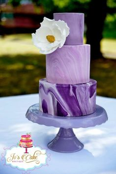 Marbled fondant wedding cake