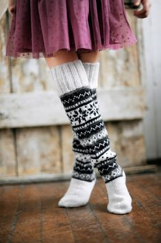 Crochet patterns socks slippers leg warmers new Ideas Crochet Boot Socks, Knitted Boot Cuffs, Knit Boots, Knitted Slippers, Knit Mittens, Knitting Socks, Hand Knitting, Knit Crochet, Argyle Socks
