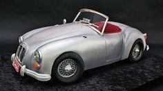 Learn how to create this classic convertible 1960 MGA Roadster out of cake!