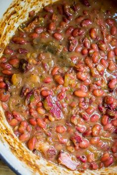 cajun food Red Beans and Rice (Better Than Popeye's!) from The Food Charlatan. Have you ever had traditional Red Beans and Rice? It's a southern staple! I tried Popeye's Red Beans and Rice Creole Recipes, Cajun Recipes, Soup Recipes, Cooking Recipes, Recipies, Soul Food Recipes, Haitian Recipes, Dinner Recipes, Louisiana Recipes