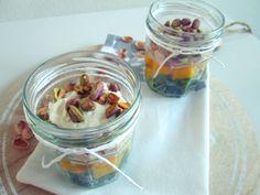Makkelijk voorgerecht frisse salade in een glaasje starters and