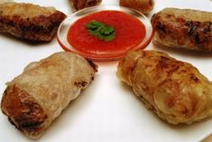 Sajgonki to najbardziej znana potrawa kuchni wietnamskiej. Sajgonki mają wiele odmian i są naprawdę lubiane przez polaków. Polecamy
