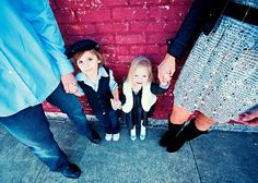 Love this angle! 40 Fantastic Family Pictures | AntsMagazine.Com