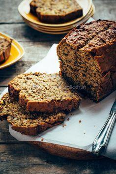 Kruidige courgettecake met dadels en kardemom, Zucchini loaf with cardamom | eten uit de volkstuin