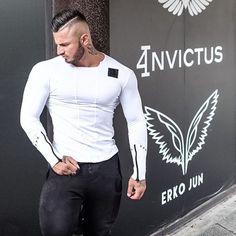 ブランド男性ファッションtシャツ2017春スリムフィットtシャツ筋肉トップスレジャーボディービル長袖フィットネス人格tシャツ