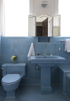 Kidson preferred to maintain the original bathrooms by rechroming the mercury glass fixtures and hiring skilled plumbers to update the older pipes.