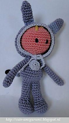 Ravelry: Bitsy, the baby in donkey suit pattern by Ami Fan ( nederlands haakpatroon)