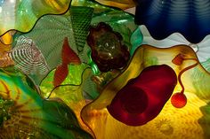 Dale Chihuly - Through the Looking Glass Sculpture Art, Sculptures, Seattle Art, Glass Artwork, Dale Chihuly, Through The Looking Glass, Couple Art, Environmental Art, Design Inspiration