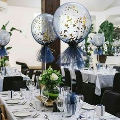 Close up of our navy and gold tulle balloons . Close up of our navy and gold tulle balloons Glitter Ballons, Tulle Balloons, Clear Balloons, Balloons And More, Balloon Balloon, Confetti Balloons, Balloon Ideas, Wedding Balloon Decorations, Baby Shower Decorations