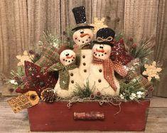 Primitive Handmade Winter Christmas Holiday Snowmen Stars Drawer Decoration #NaivePrimitive #JeaneenNason