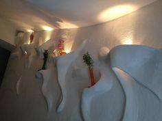 Als suchten die organischen Formen sich von selbst den Weg ins Haus. Karsten Behr lässt Wände leben. Wand erleben mit dem Stuck des 21. Jahrhunderts! Stuck, Behr, Organic Shapes, Art Projects, Life, House