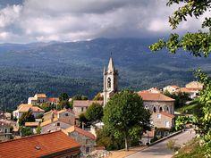Corsica - L'Alta-Rocca - Zonza est une commune française située dans le département de la Corse-du-Sud. Elle appartient à la microrégion du Fiumicicoli, dans l'est de l'Alta Rocca.