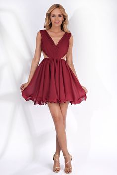 StarShinerS--Burgundy dress occasional from veil fabric cloche bare back with inside Cute Dresses, Summer Dresses, Formal Dresses, Beautiful Gowns, Most Beautiful, Hot Lingerie, Prom Night, Burgundy Dress, Formal Prom