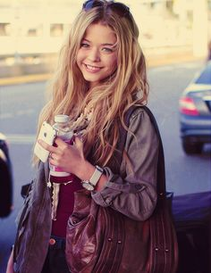 Sasha Pieterse - LOVE this outfit!