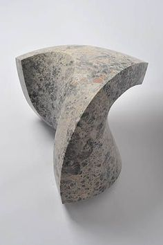 MAY SPACE | Senden Blackwood | mea limestone 26 x 40 x 38cm