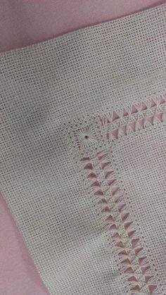 Carolina Ruiz Carrasco's media content and analytics Hardanger Embroidery, Hand Embroidery Stitches, Lace Embroidery, Hand Embroidery Designs, Embroidery Patterns, Hem Stitch, Cross Stitch, Smocking Patterns, Drawn Thread